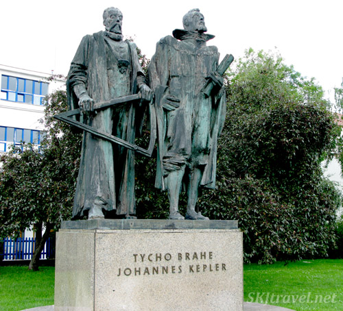 Bronze statues of Tycho Brahe and Johannes Kepler in Prague.
