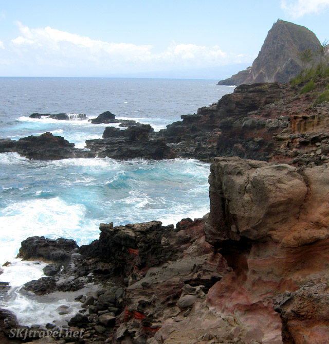 View along the Maui coastline near the Olivine Pools.