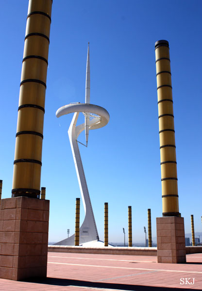 White needle-like sculpture reaches into blue sky at the Olympic Park in Barcelona. Photo by Shara Johnson