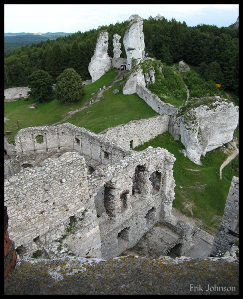 Castle ruins along the Eagle's Nest scenic road between Wroclaw and Krakow, Poland.