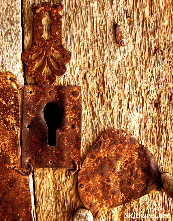 Keyhole in a door at Old Guermessa, Tunisia.