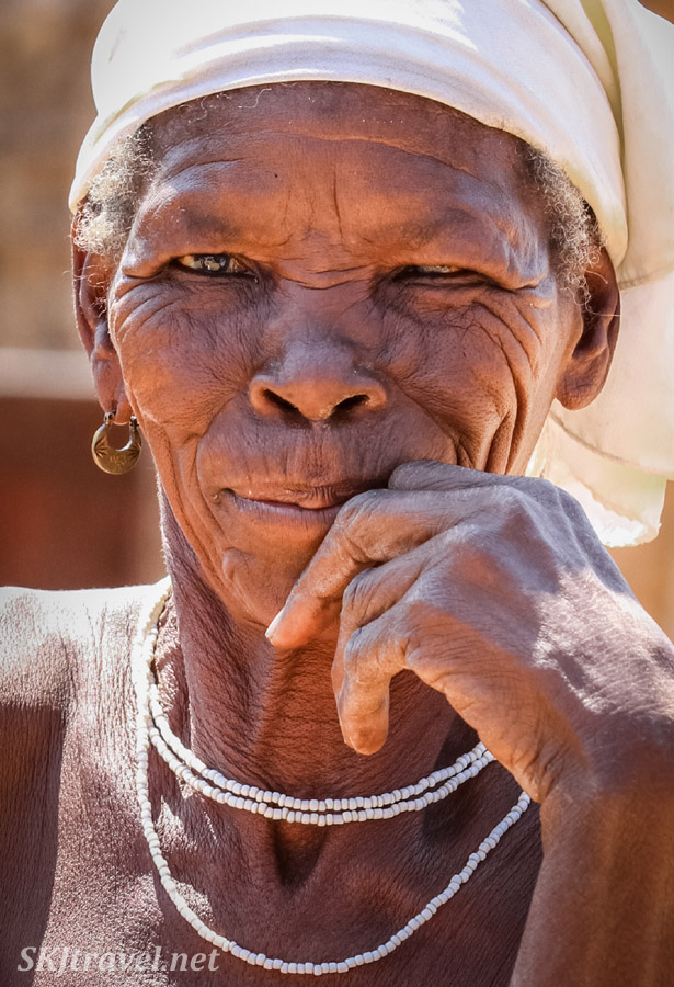 Granny Sabina's daughter. Portrait, Divundu, Kavango region, northern Namibia.